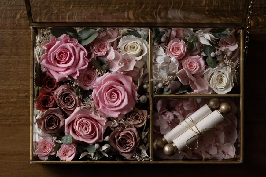 Aranjamente florale trandafiri stabilizați