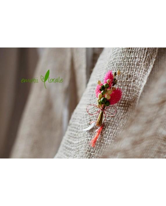 Martisor cu flori naturale uscate PR1M53