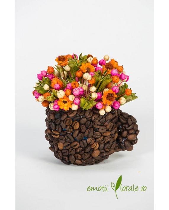 Ceasca cu boabe   de cafea cu flori naturale uscate - PR1M62