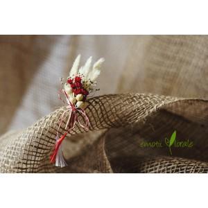 Martisor cu flori naturale uscate M01PV