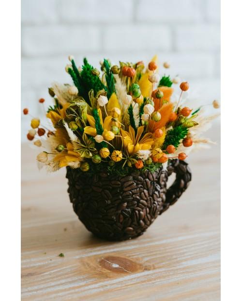 Ceasca cu flori uscate si boabe de cafea CE5826