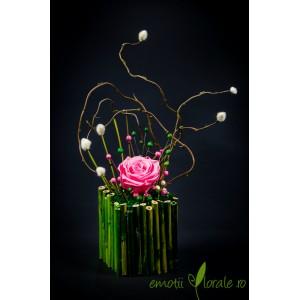 Aranjament cu trandafir natural stabilizat roz V14P19